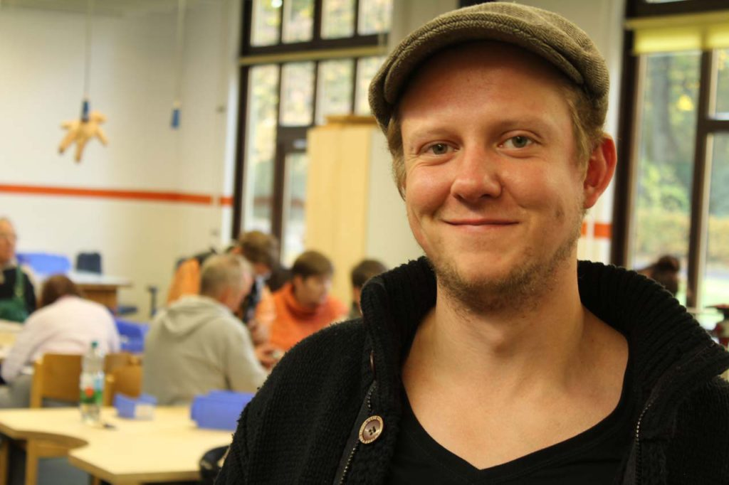 Sascha Ott macht eine Ausbildung zum Heilerziehungspfleger.