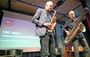 Musikalische Akzente: Das Duo Leptophonics mit Andreas Gummersbach (links) und Andreas Kaling.